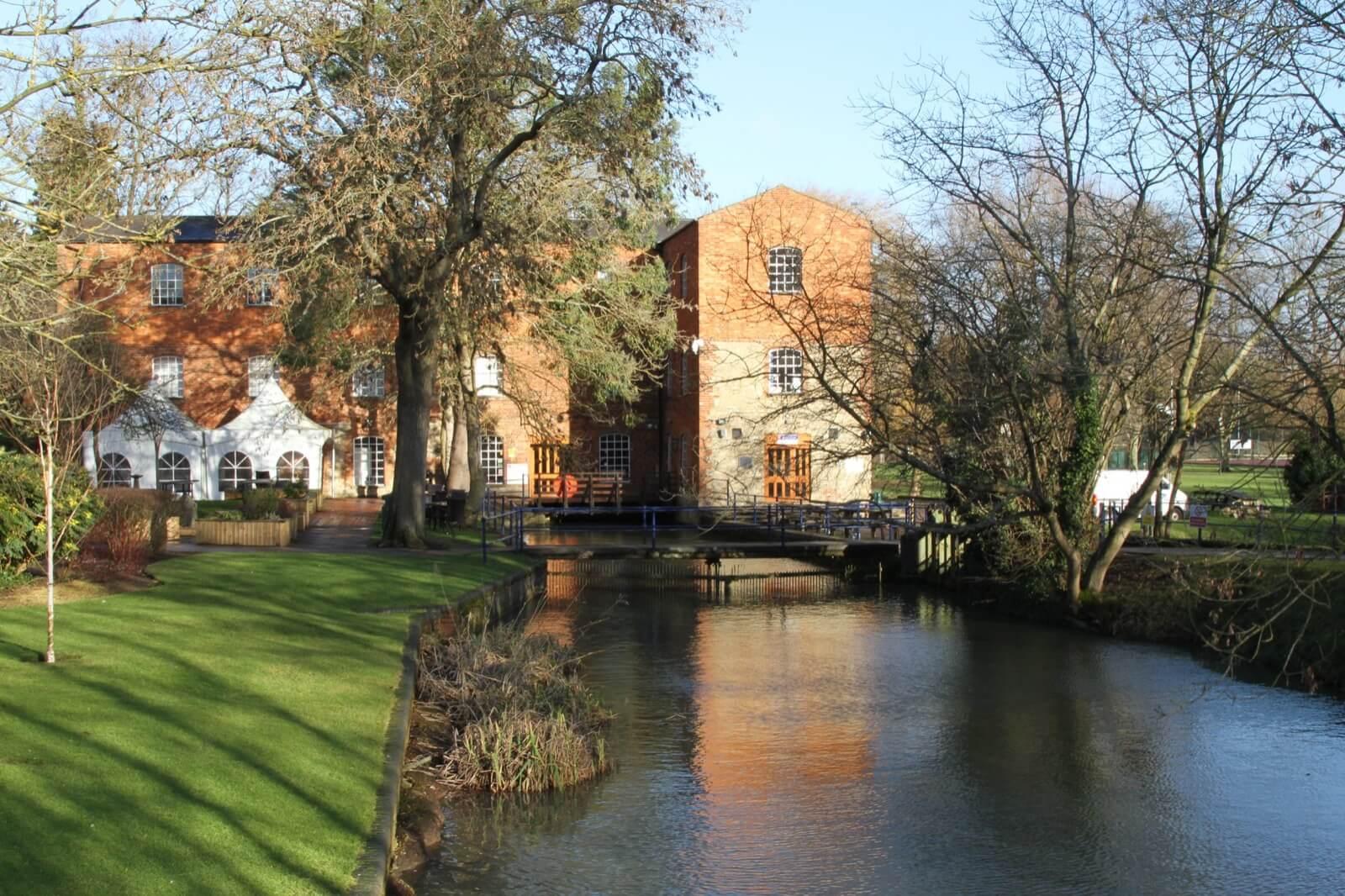 University of Buckingham - Soho UK Yurtdışı Eğitim ...